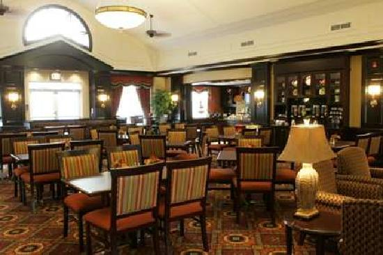 Homewood Suites by Hilton Cambridge-Waterloo, Ontario : Homewood Lodge