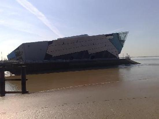 The Deep and the River Hull
