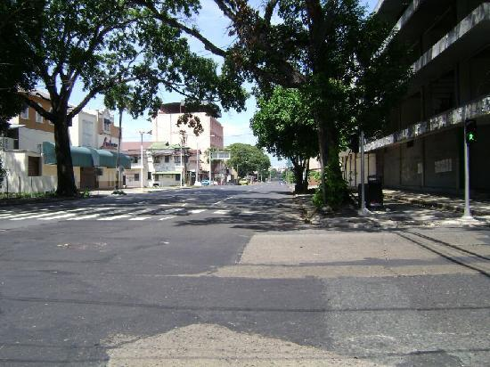 Hotel Marparaiso: calle frente al hotel