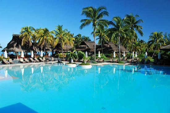Sofitel Mauritius L'Imperial Resort & Spa: Pool und Strandbar
