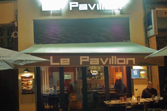 Front view of Le Pavillon