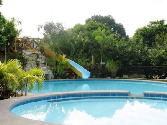 Iba, Filipinler: Pool