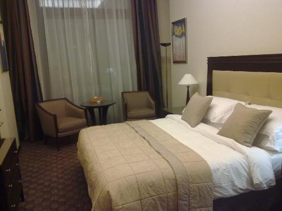 Raouché Arjaan by Rotana: The bed room