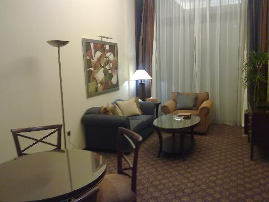 Raouché Arjaan by Rotana: Living Room