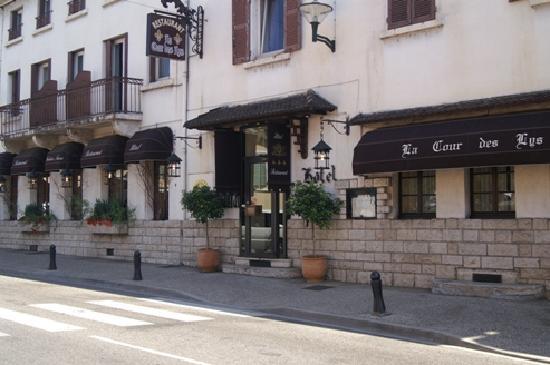 La Cour des Lys : salle gastronomique