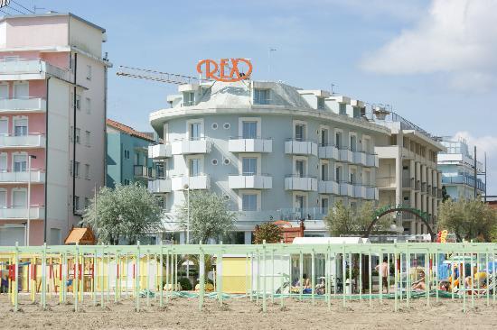 Rex by day foto di hotel rex riccione tripadvisor for Hotel a barcellona 3 stelle