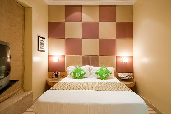 Regent Hotel Colaba: Room 4