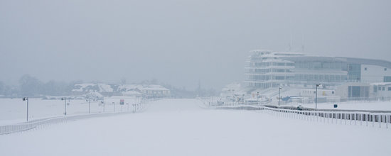 ‪אפסום, UK: Epsom Downs in the snow‬