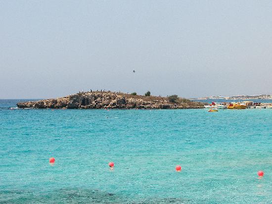 Sunwing Sandy Bay Beach: a close walk to the beach