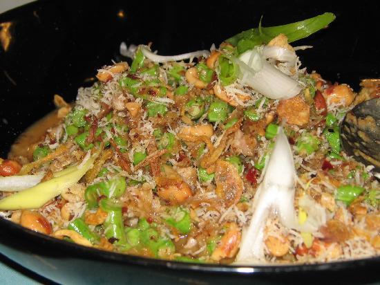 Bon Kitchen Restaurant : Wing Bean Salad