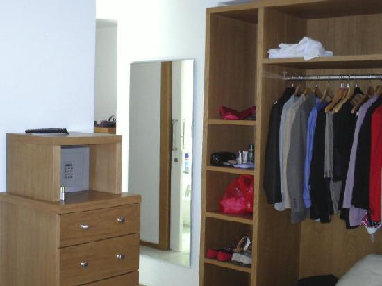 Rota Suites storage