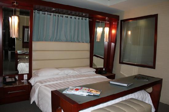 Shade Hotel: The comfortable bed