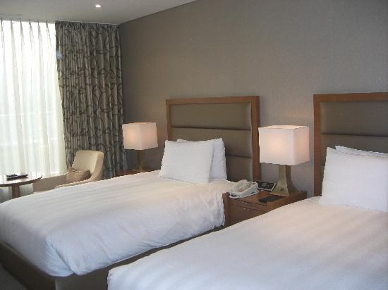 Lotte City Hotel Mapo: シンプルで清潔な客室