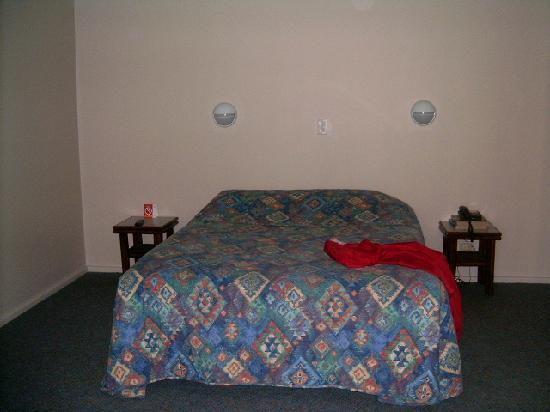 Comfort Inn Wentworth Plaza: Big room with double bed