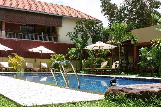 Mom 39 s guesthouse bewertungen fotos preisvergleich for Swimming pool preisvergleich