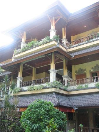 Bali Sandy Cottages: buildings