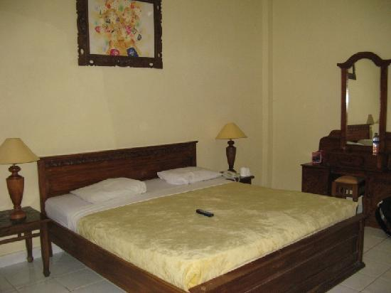 Bali Sandy Cottages: the bed