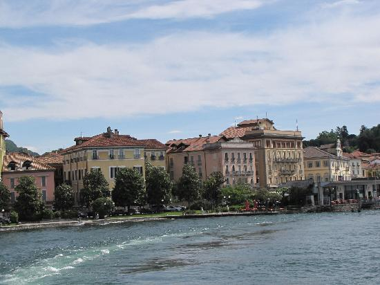 Hotel Pallanza: View of hotel row from boat