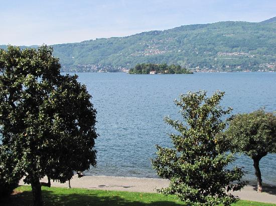 Hotel Pallanza: View of Lago Maggiore from hotel room
