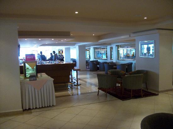 IBEROSTAR Creta Panorama & Mare: Lobby bar