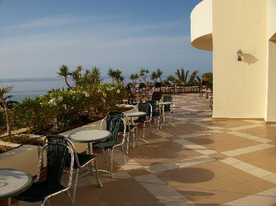 IBEROSTAR Creta Panorama & Mare: Outside seating