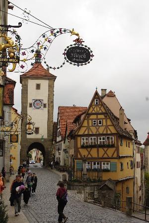 Hotel Goldener Hirsch: entrada