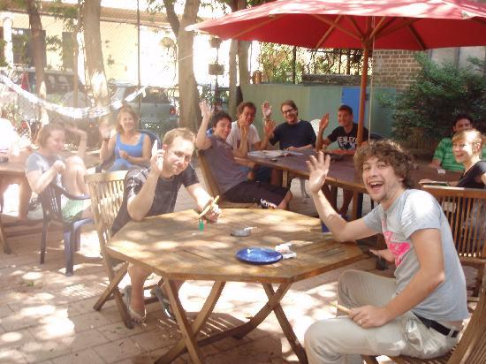 Blue Parrot Backpackers: Courtyard