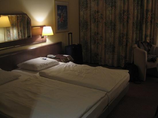relexa hotel Airport Düsseldorf-Ratingen: our room