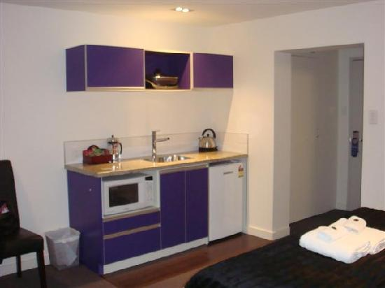Charmant 315 Euro Motel: Kitchenette With Great Appliances
