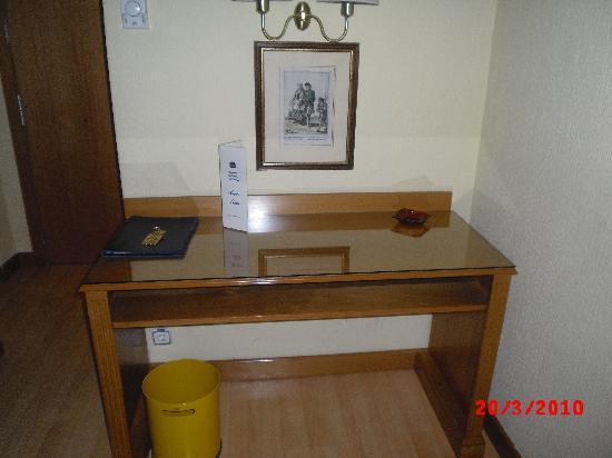 Hotel Trafalgar: El escritorio