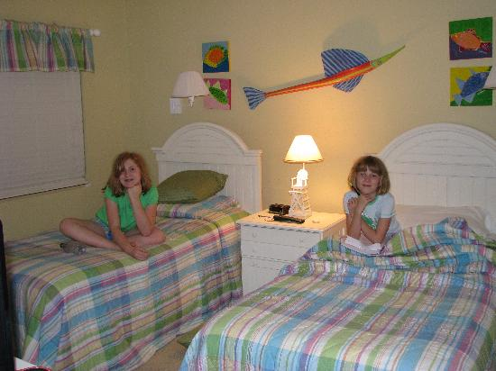 Loggerhead Cay: Our girls loved their decorated room and TV.