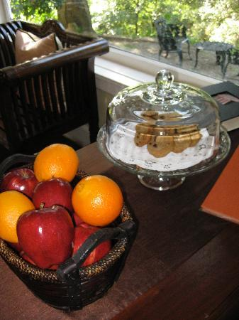 Arroyo Vista Inn: Afternoon snacks