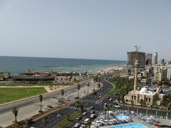 Dan Panorama Tel Aviv: pic from hotel balcony