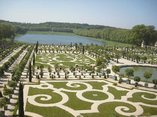 Hotel Elysees Regencia Paris: Gardens at Versailles-Ostentatiousness at its best