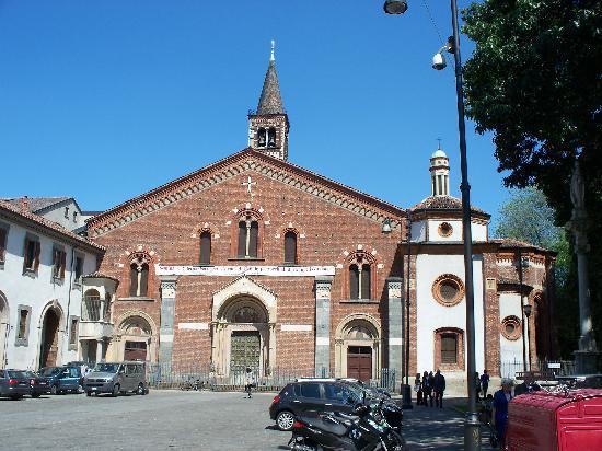 Parco Papa Giovanni Paolo II (Parco delle Basiliche) : Sant'Eustorgio