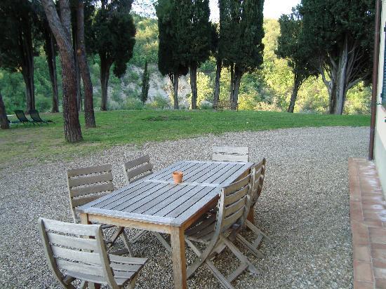 Galealpe Agriturismo: nice wooden furniture
