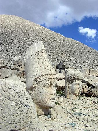 Mount Nemrut: Terrazza Est 1