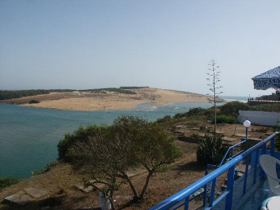 Moulay Bousselham Lagoon: Lagoon and sea