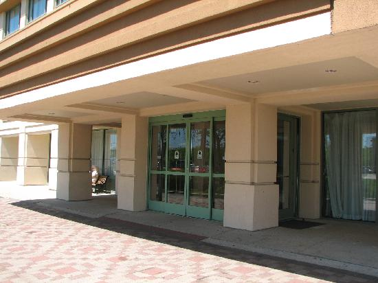 Holiday Inn Chicago Oakbrook: Entrance
