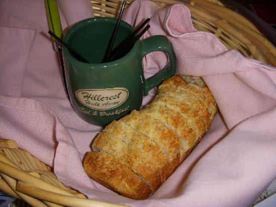 Hillcrest Hide-Away Bed and Breakfast: Lemon Poppyseed Almond Bread