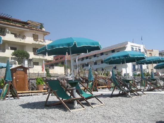 Villa linda bewertungen fotos preisvergleich giardini naxos italien - Hotel alexander giardini naxos ...