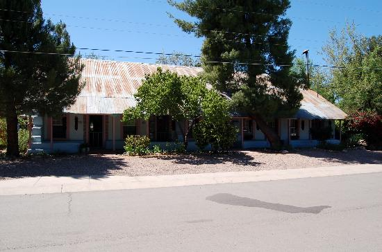Patagonia, AZ: Front of the B&B