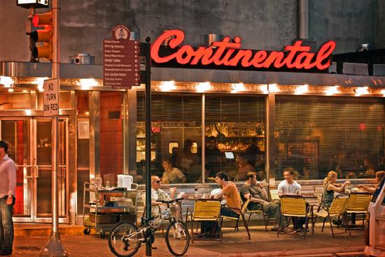 Filadelfia, Pensylwania: Continental Restaurant- Photo by B. Krist for GPTMC