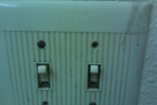 Super 8 Antioch/Nashville South East: So filthy you can't touch it. Screws missing and switches loose.