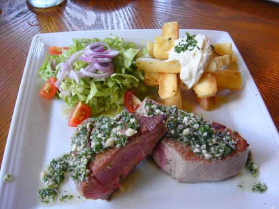 El Refugio Grill : Tuna steak