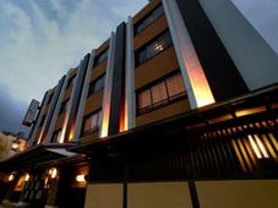 Nishiyama Ryokan: 旅館全景 Ryokan Overview