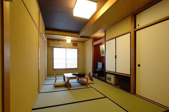 โรงแรมนิชิมาย่า เรียวคัง: 8畳和室 8Tatami Japanese room