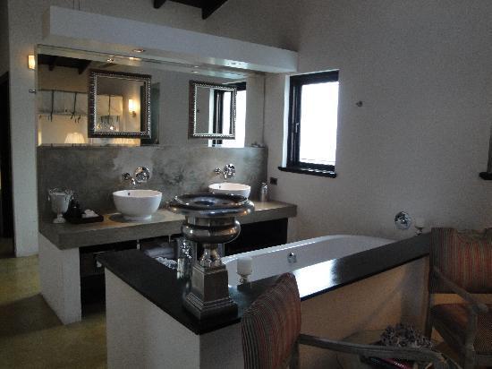 Teremok Marine: The open plan bathroom