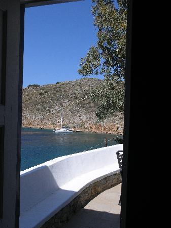 Portadelmare Guest House: Mandraki Bay from Spiros's House