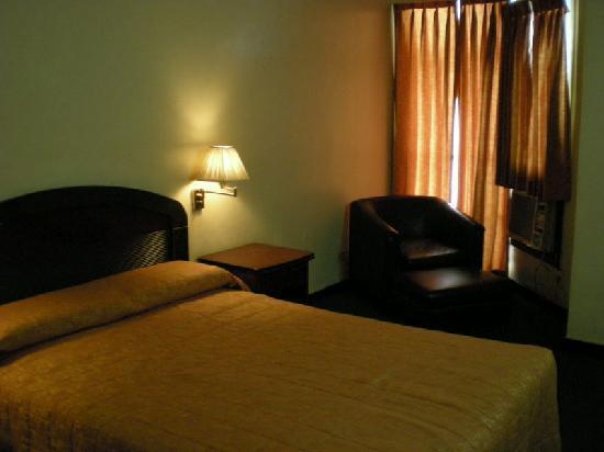 Riviera Mansion Hotel: 部屋はまあまあなのだが